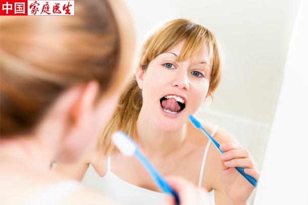努力刷牙,却把牙刷坏了