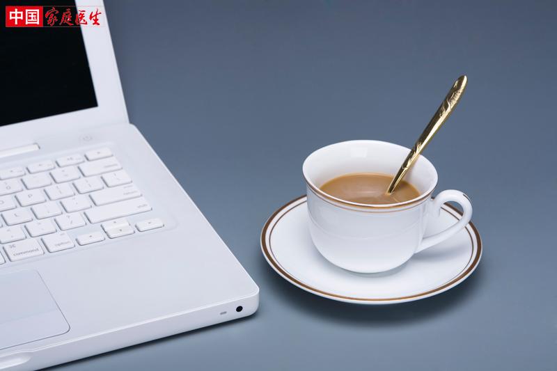 咖啡代早餐,胆囊很受伤