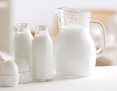 """喝牛奶是个""""技术活"""""""
