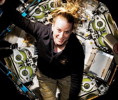 火星宇航员在太空中如何生存