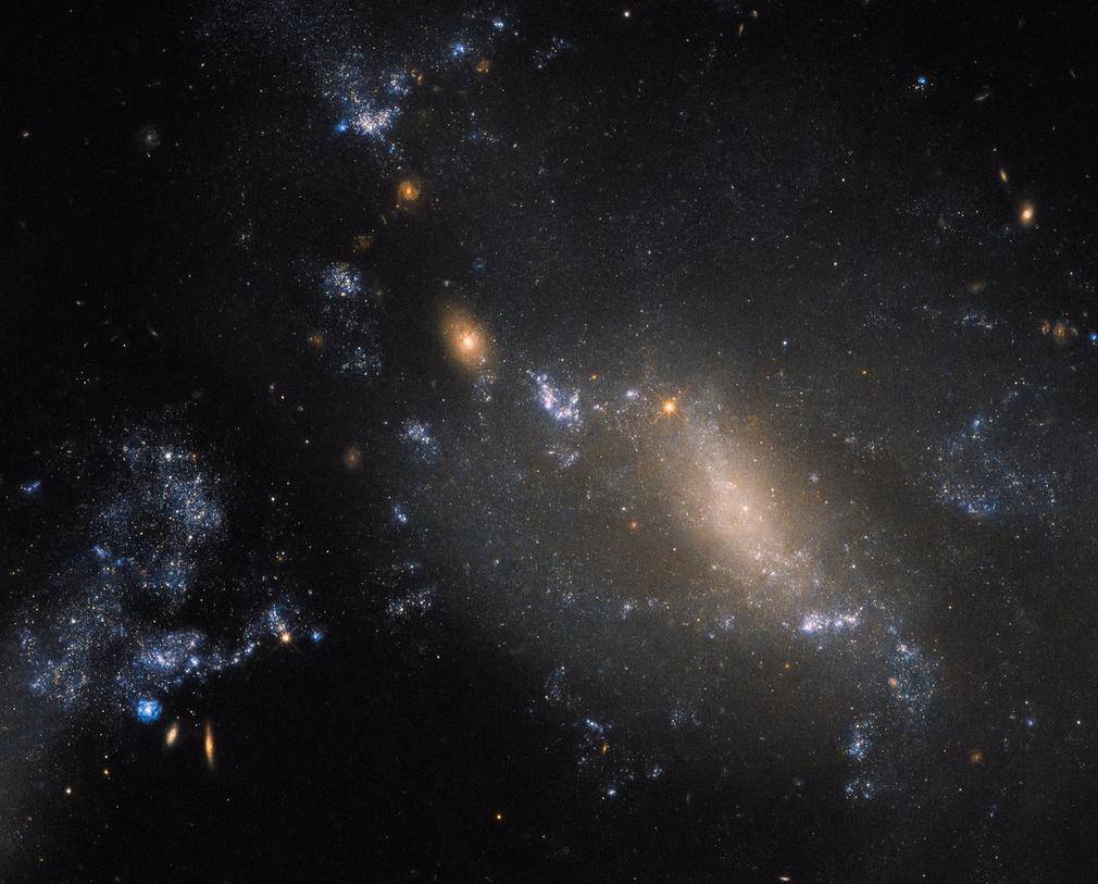 不寻常的相互作用星系