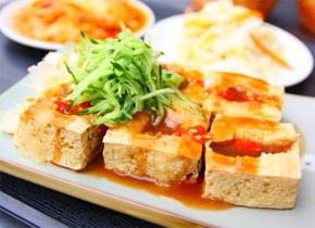 臭豆腐为什么会闻着臭吃着香?