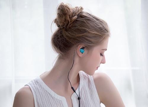 为什么使用耳机不当会损伤听力