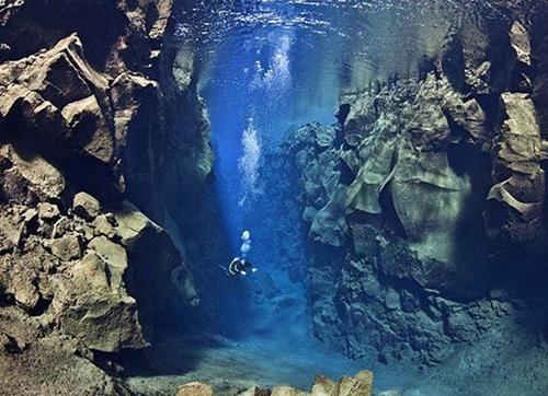 地球上最年长的山脉——洋中脊