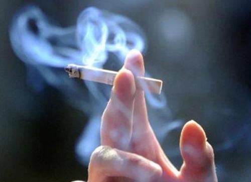 靠吸烟预防新冠病毒感染,为何不靠谱?