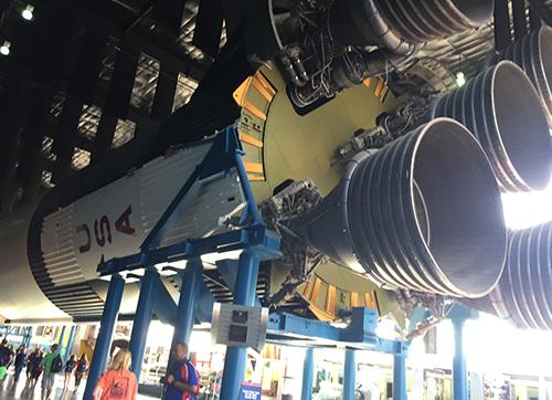 """美国太空与火箭中心:航天梦起""""太空营"""""""