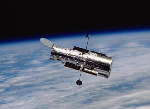 哈勃望远镜:三十年的守望者